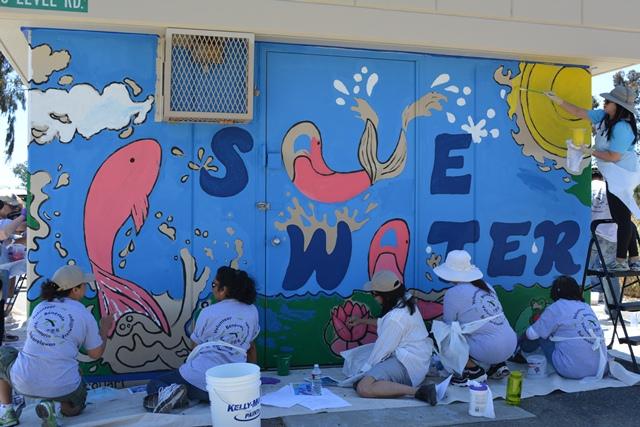 Mural Volunteers.jpg